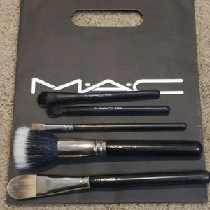 Lot of MAC Brushes